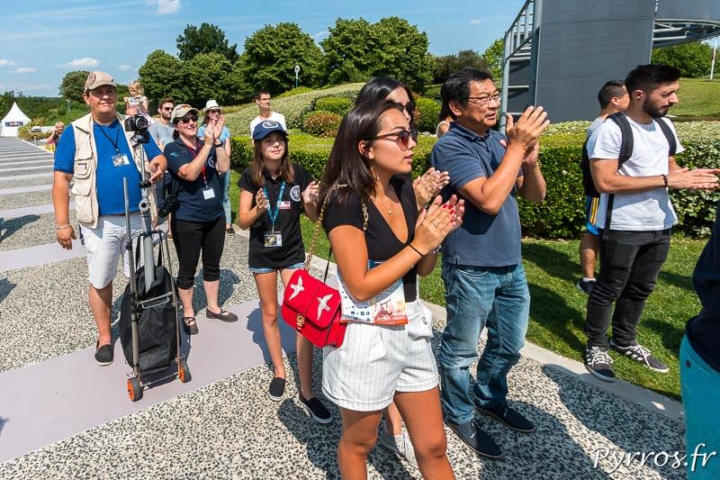 Les visiteurs de la Cité de l'Espace applaudissent les retour de Thomas Pesquet