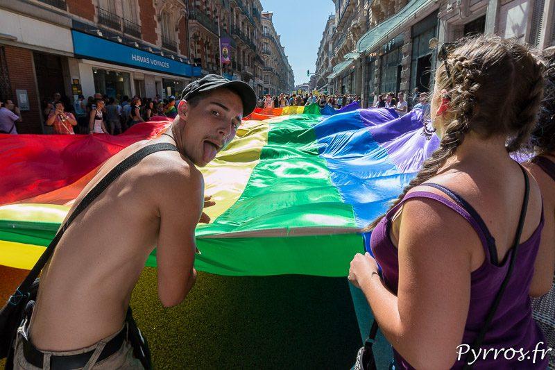 Portrait grimaçant d'un participant à la Pride 2017 de Toulouse