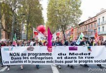 Les syndicats organisateurs ouvrent le cortège de la manifestation