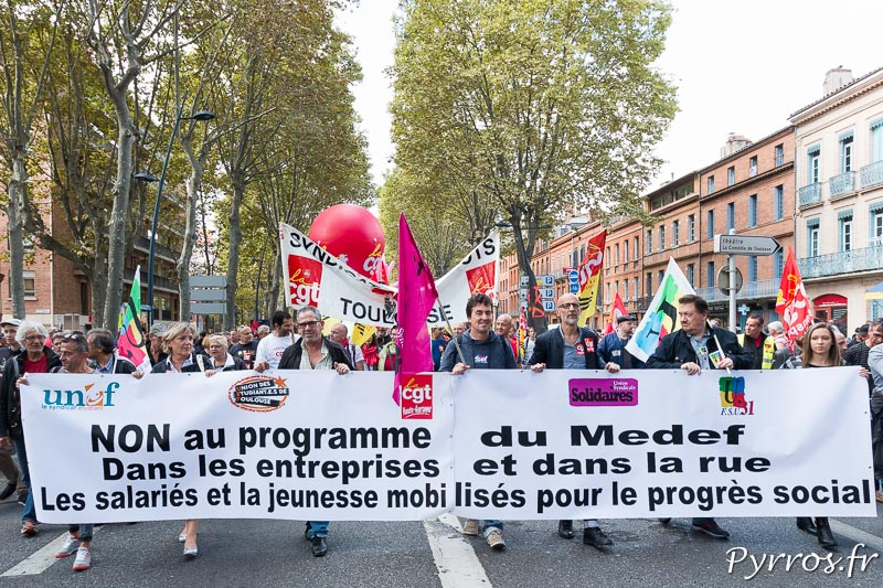 Les syndicats organisateurs ouvrent le cortège de la manifestation contre la réforme du code du travail