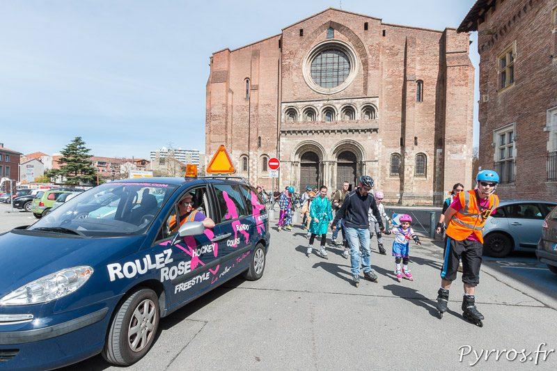 Carnaval de Roulez Rose 1er dimanche du mois passage devant Saint Sernin