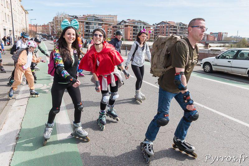 Carnaval de Roulez Rose 1er dimanche du mois, les patineurs viennent en famille ou entre amis