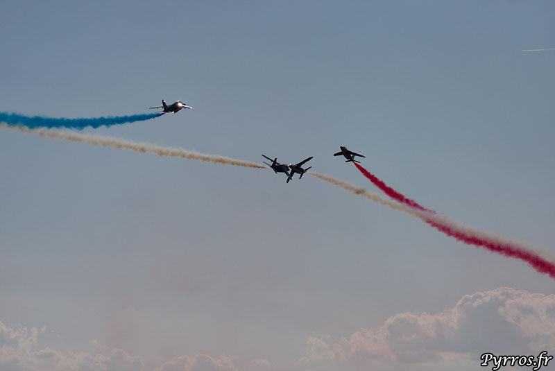 Patrouille de France (PAF) le croisement évitement à 4.