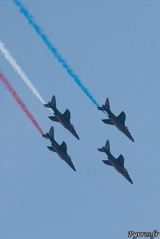 Patrouille de France (PAF) piqué en formation