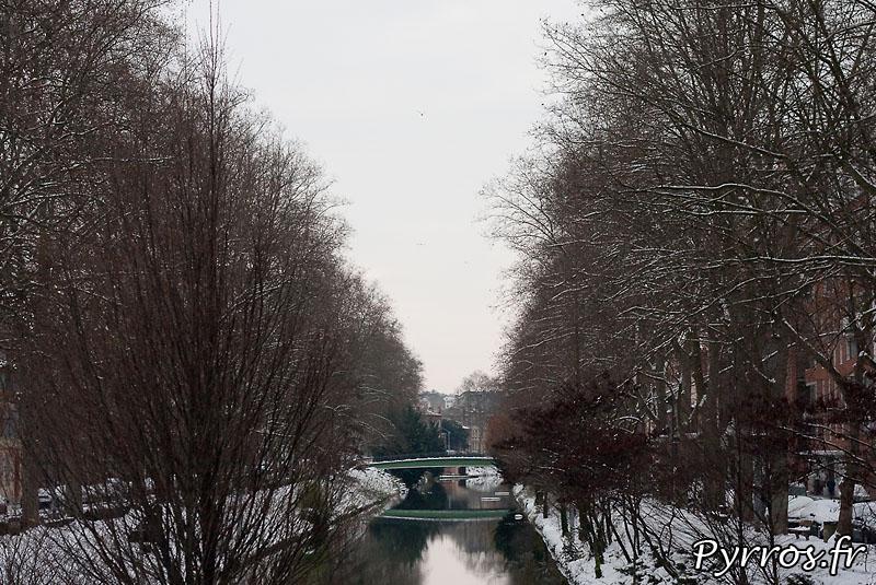 Neige à Toulouse, le canal du Midi sous la neige.