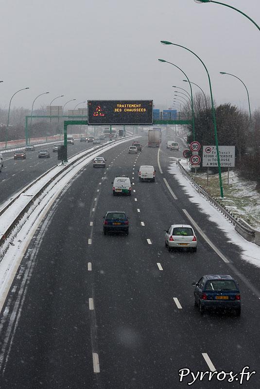 Toulouse sous la neige pour la troisieme fois de l'hivers, denneigement en cours