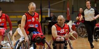 Euro Ligue 2 (handibasket) Tour préliminaire Toulouse IC vs Izmir Buyuksehir S.C. (Turquie), Toulouse s'impose 66 à 58, Dribble du 15 et blocage du 9 de Toulouse