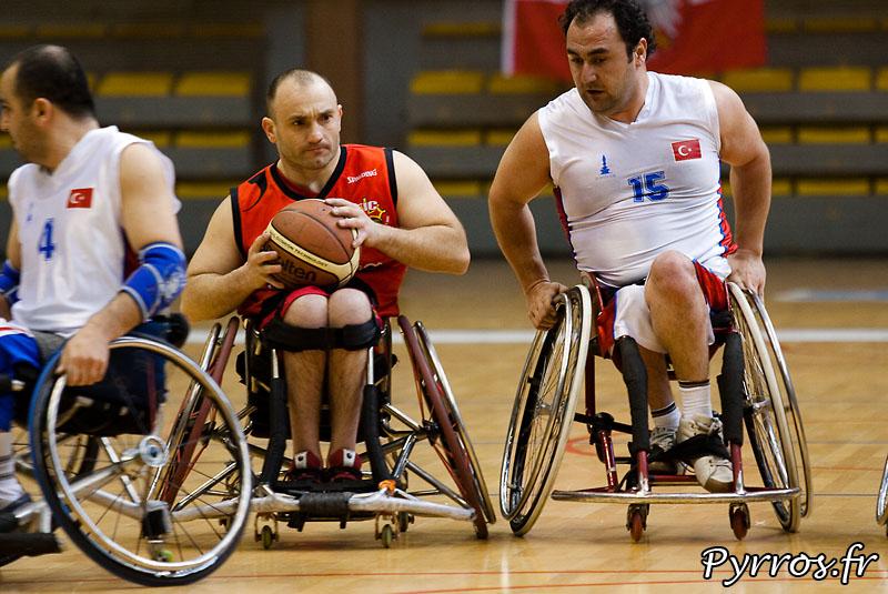 Euro Ligue 2 (handibasket) Tour préliminaire Toulouse IC vs Izmir Buyuksehir S.C. (Turquie), Toulouse s'impose 66 à 58, Dribble