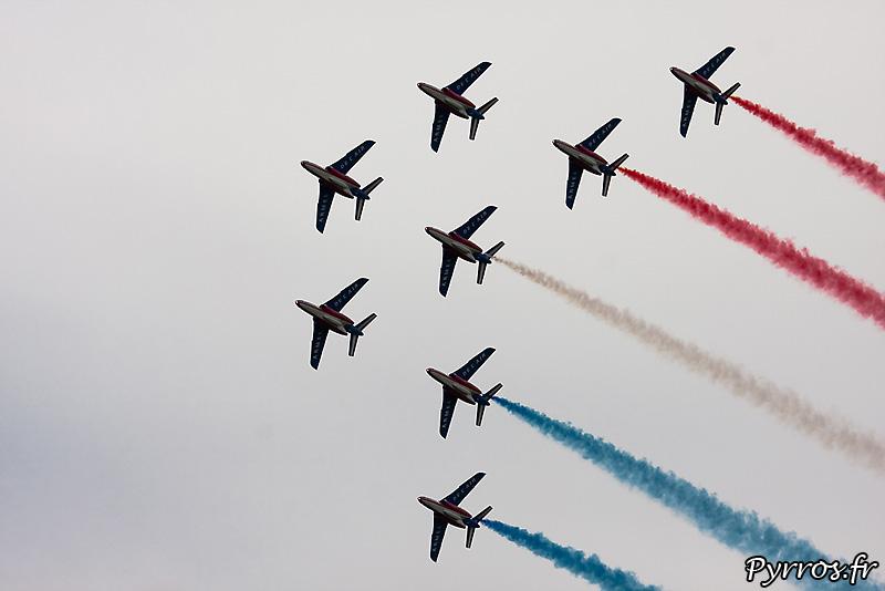Patrouille de France (Airexpo 2010) sous un ciel voilé, premiere démonstration public de 2010, formation canard