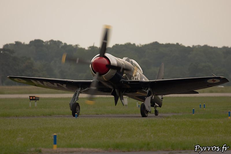 Hawker Sea Fury FB-11 préparation au décollage
