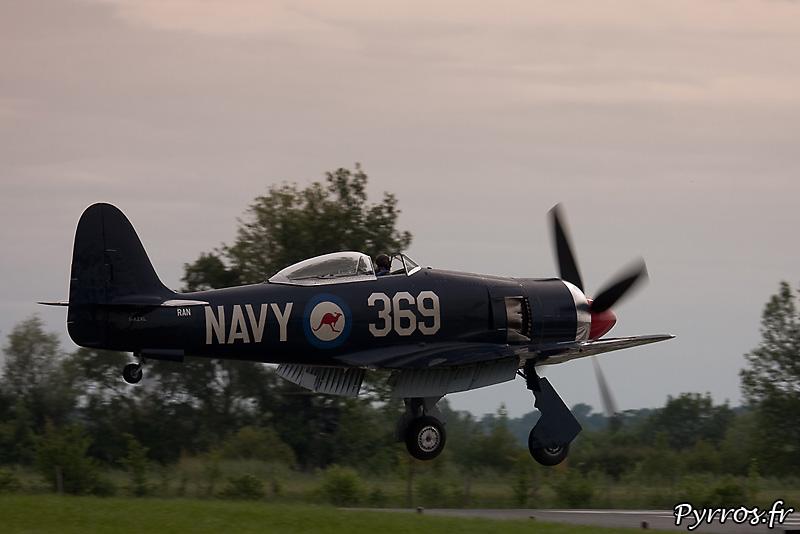 Hawker Sea Fury FB-11 atterrissage volets sortis