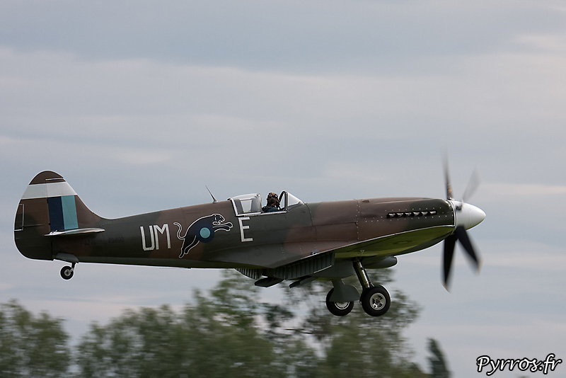 Supermarine 389 Spitfire MkXIX approche volets sortis