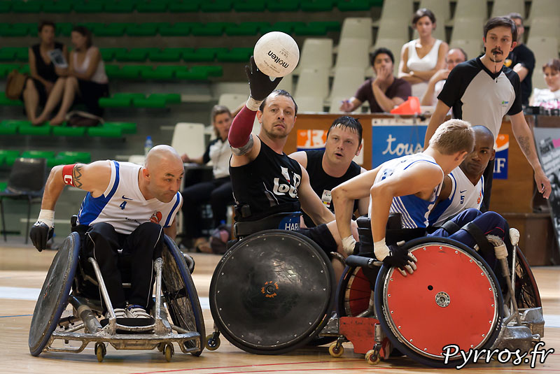 Seconde édition de la Rock N Rose Cup, au petit palais des sports de Toulouse. TEAM FLEMISH LIONS vs TEAM MARRAUDERS