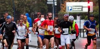 Sous la pluie d'automne, se deroule, le quatrième marathon du Grand Toulouse, Kilometres 3 : Compans Caffarelli