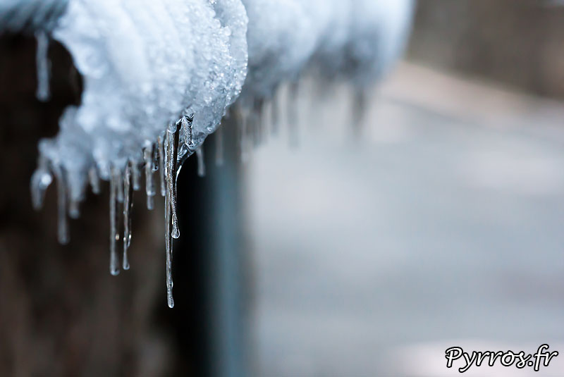 Premieres neiges, automne 2010, premieres stalactites de glace