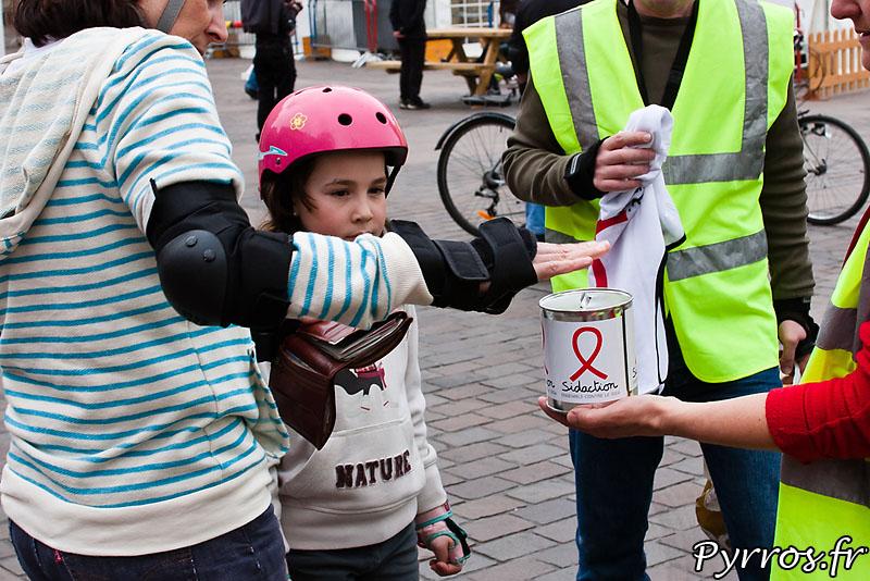 Comme chaque année Roulez Rose participe au sidaction en organisant une rando roller de sensibilisation et collecte de dons