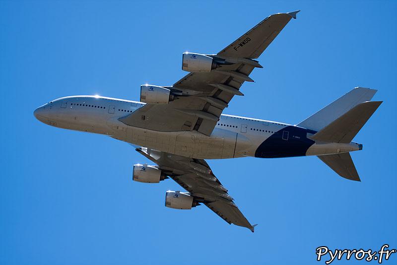 Airbus 380 F-WWDD dit Dédé, passage basse vitesse