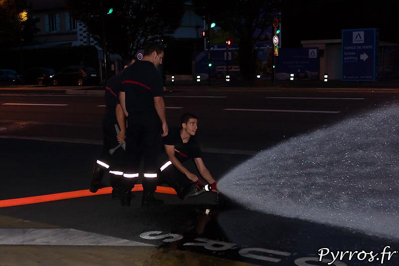 Les Pompiers de la caserne Vion, lourdement armés, testent le matériel
