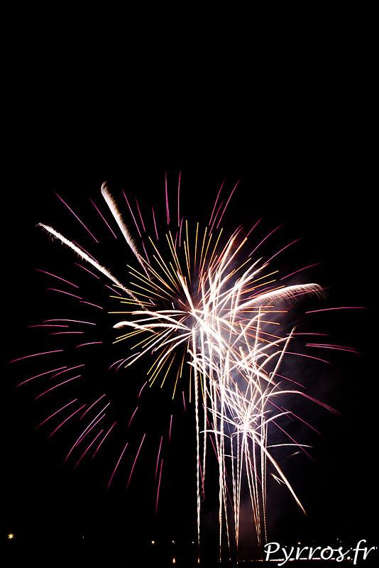 le feu d'artifice de Balma est traditionnellement tiré la veille de la rentrée des classes
