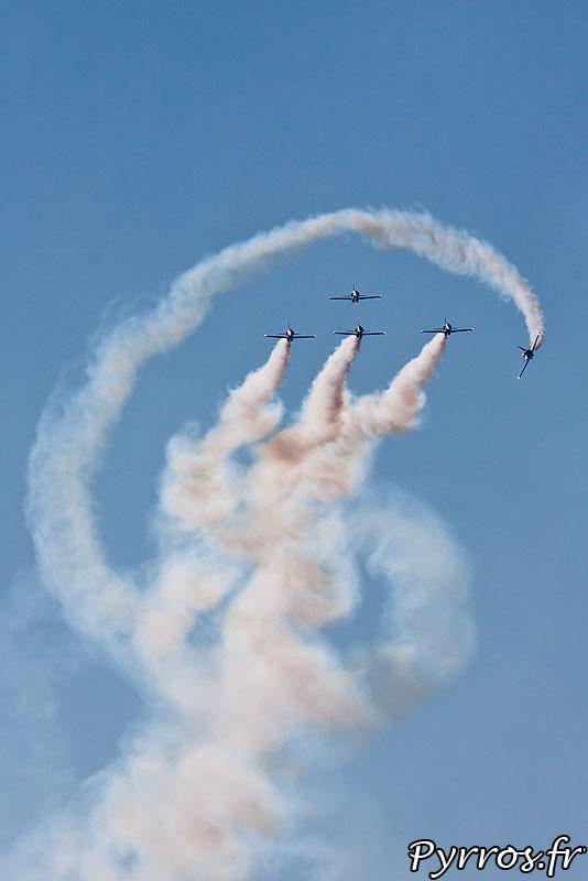 Breitling Jet Team dans l'Apache Roll