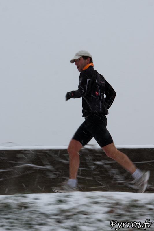"""Le footing dominical se déroule """"normalement"""" sous la neige"""