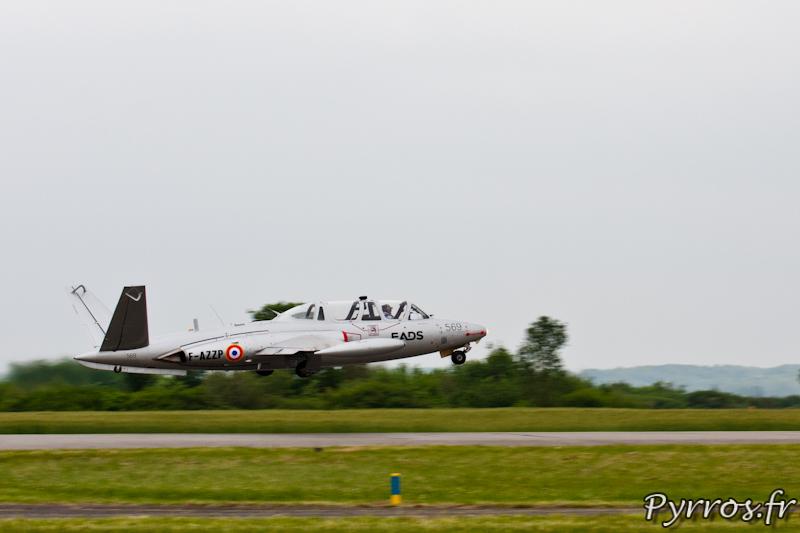 Fouga CM-170 Magister décollage à Airexpo 2012