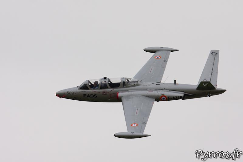 Fouga CM-170 Magister passage a l'anglaise à Airexpo 2012