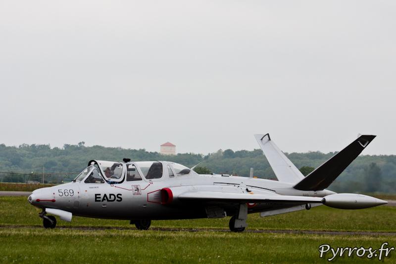 Fouga CM-170 Magister sur le tarmac de Muret-Lherm a Airexpo 2012