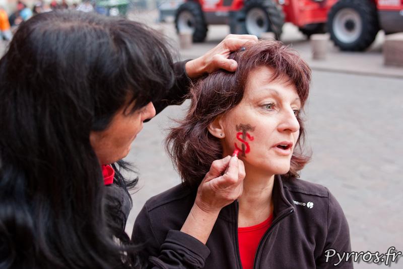 Séance de maquillage, Roulez rose en Rouge et Noir pour soutenir le Stade Toulousain