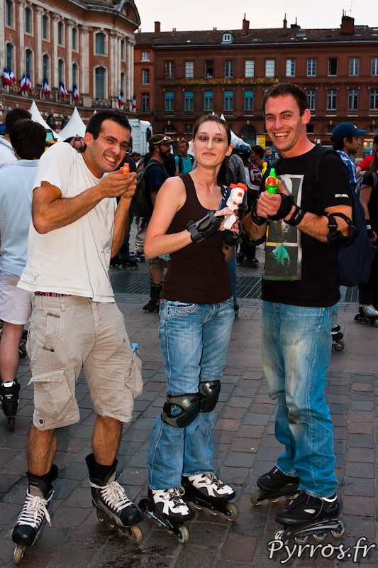 Rando Pistolets à eau de Roulez Rose, photographe pris en otage