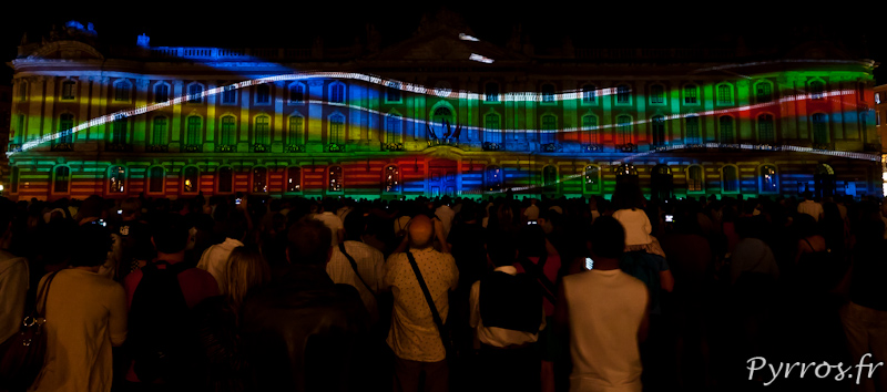 Ondulations lumineuses et colorées de la Garonne
