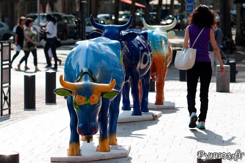 CowParade à Toulouse les vaches s'exposent dans le centre ville