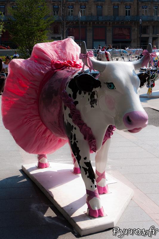 CowParade à Toulouse vache en tutu
