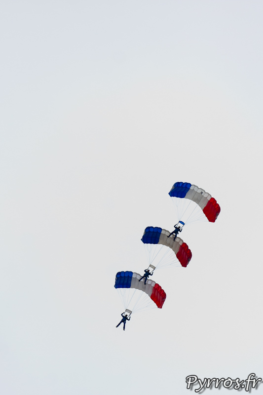 Gimont Aero, Equipe de Parachutistes de Présentation et de Compétition de l'Armée de l'Air, voile contact à 3