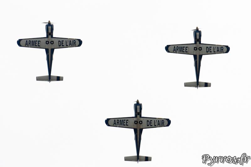 Cartouche Dore, Vol en formation, vol en triangle le numéro 2 se place derrière ses coéquipiers