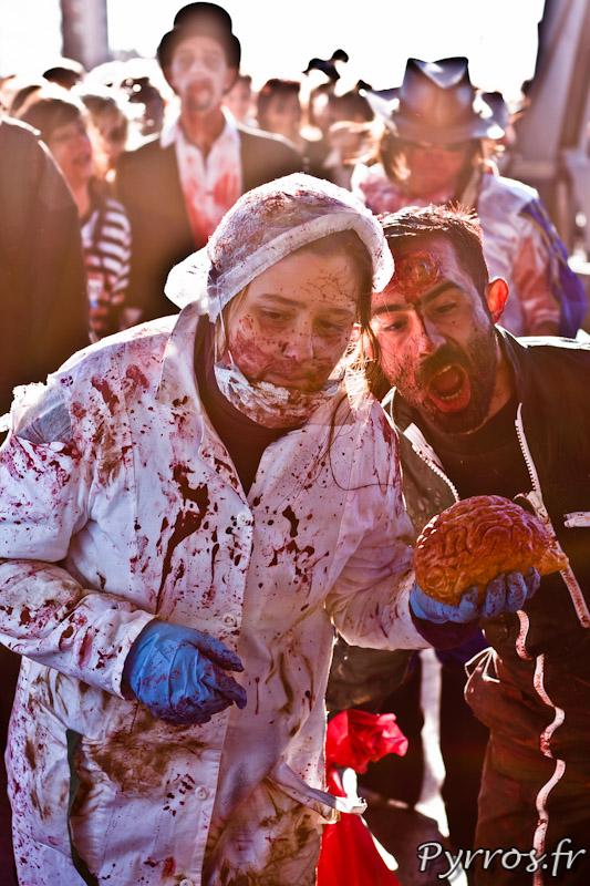 Les zombies sont attirés par la chair fraiche et plus particulièrement par la cervelle