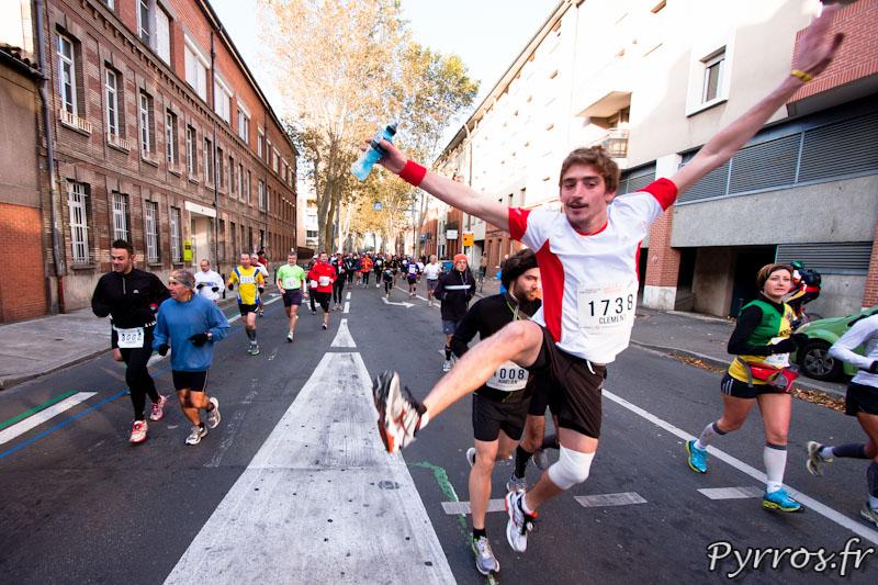 Marathon International de Toulouse Métropole, certains sont encore en forme. (dossard 1738)