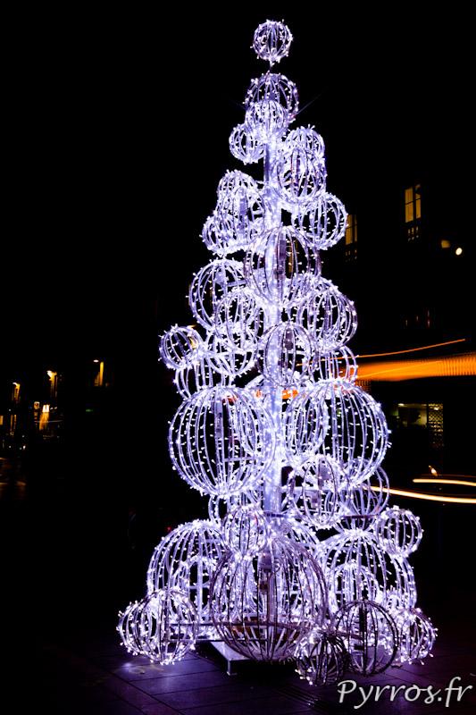 Éclairages de Noël à Toulouse, sapin place Esquirol