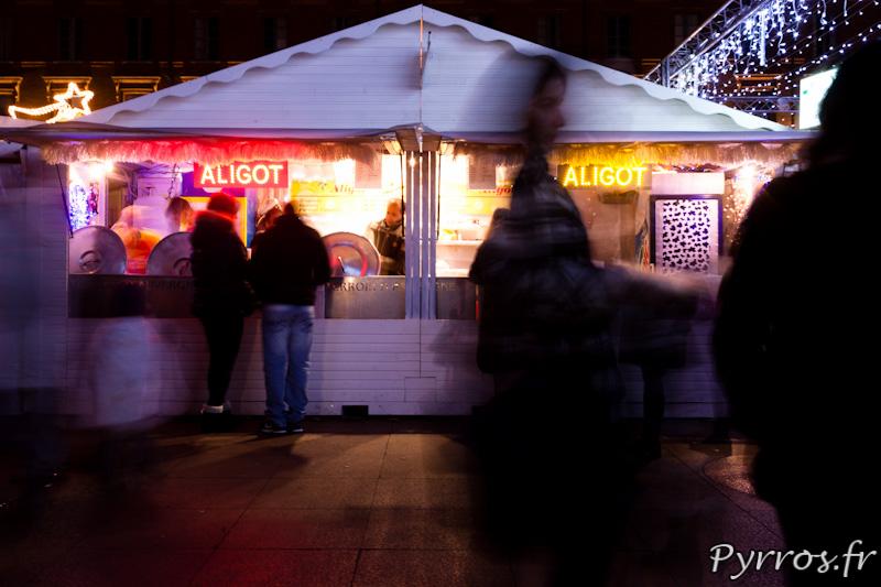La nourriture prend beaucoup de place au marché de Noël du Capitole