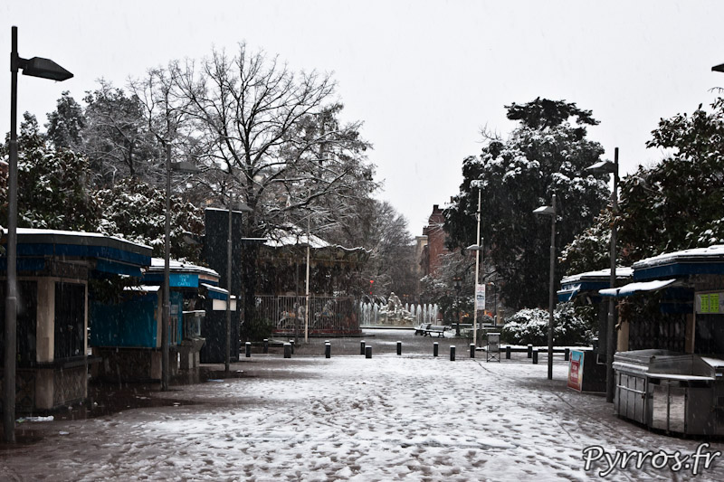 Place Wilson, sous la neige il n'y a personne