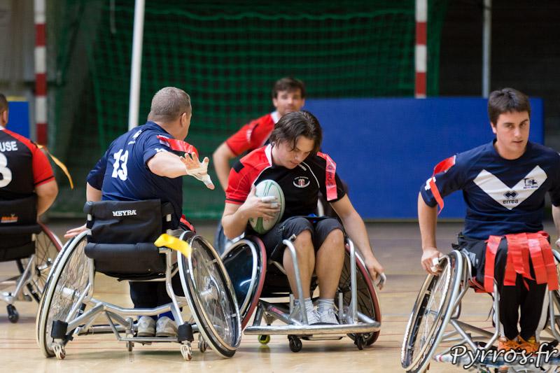 Rugby a XIII handisport, Le joueur du TO XIII arrache le flag du joueur du Stade Toulousain