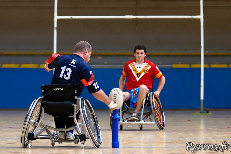 Rugby a XIII handisport, le 13 du Toulouse olympique XIII handisport tente une transformation après un essai