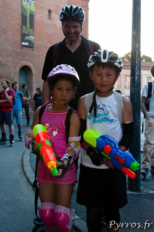 les enfants sont présents pour la Randonnée roller pistolets à eau