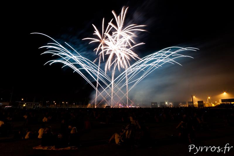 Pour clore les grandes fêtes de Balma un spectacle pyromusicale est tiré sur les terrain du grand stade