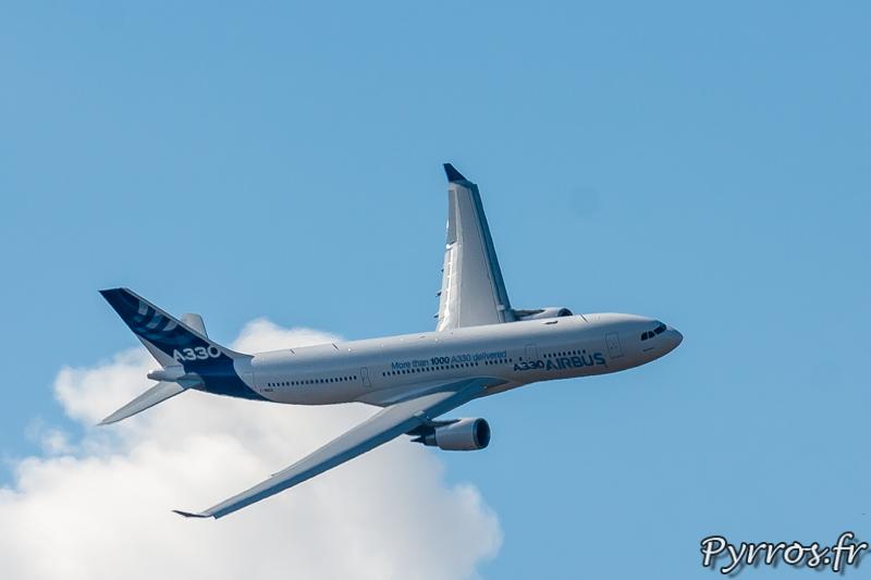 Airbus A330, en virage à droite