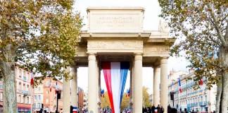 Commémoration du 11 novembre 1918 au pied du monument aux morts de Toulouse