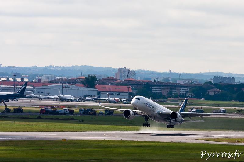 Premier vol de l'A350 à Toulouse Blagnac