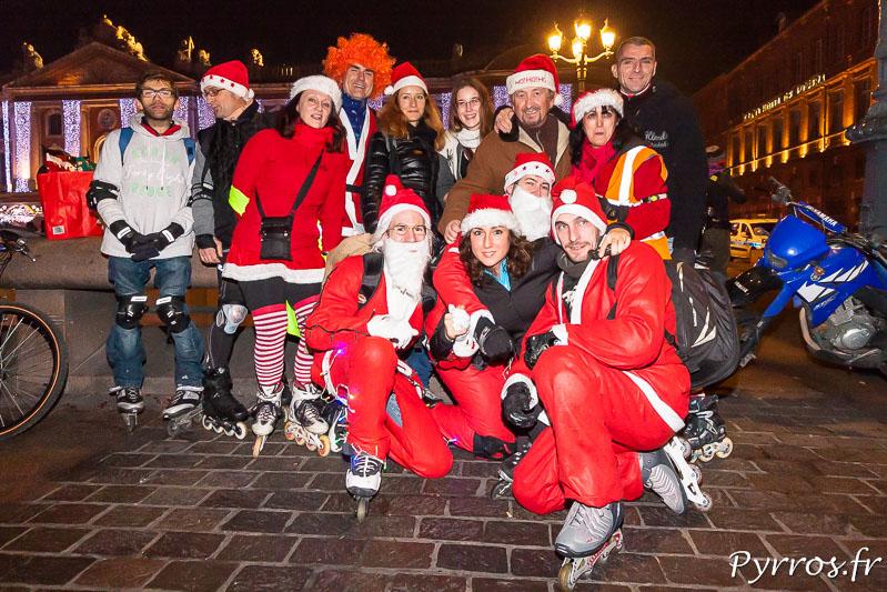 Roulez Rose organise la randonnée Père et Mère Noël de Purpan, le groupe Amiez Participe