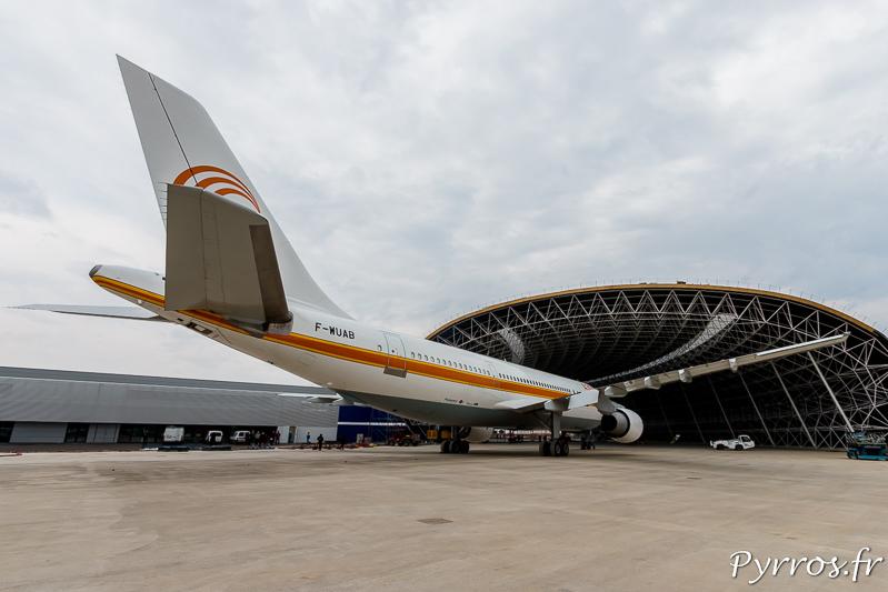 L'Airbus A300B entre au musée Aéroscopia