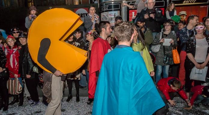 Pacman est accompagné par ses fantômes, il a fait une overdose de point blanc...